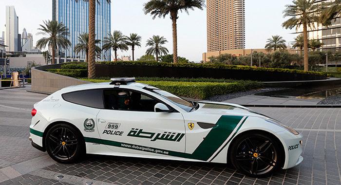 Cotxe de Policia Ferrar FF