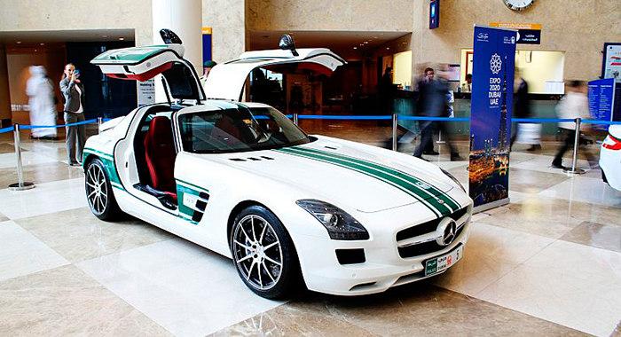 Cotxe de Policia Mercedes Benz SLS
