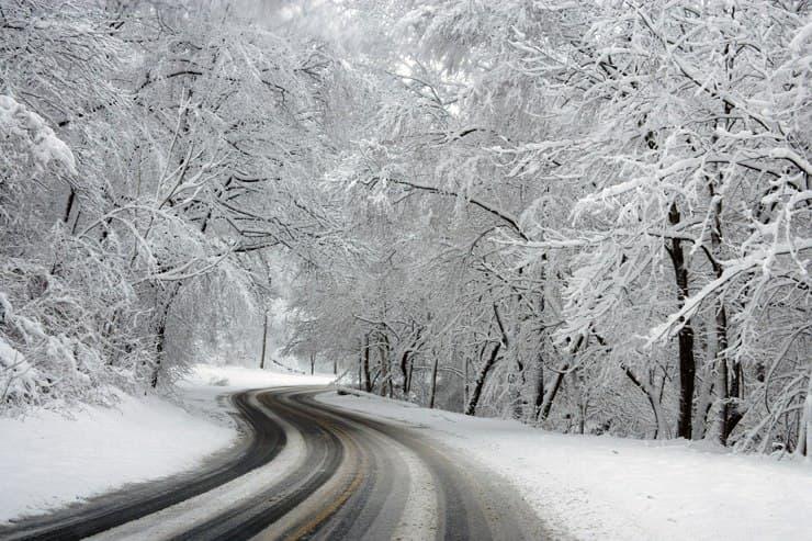 carretera amb neu i gel