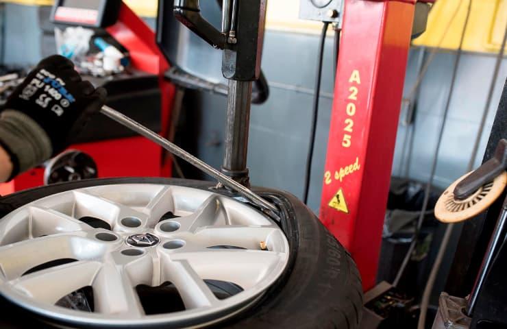 pneumàtics cotxe caducitat motor automoció