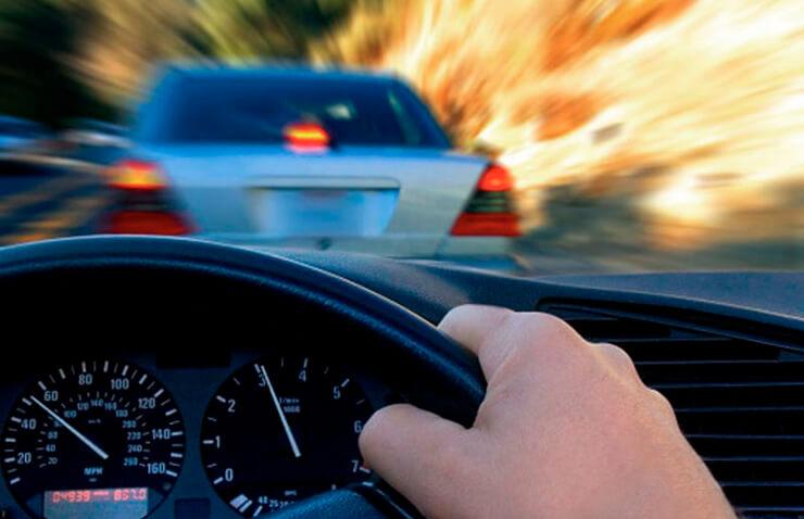 mans volan cotxe velocitat