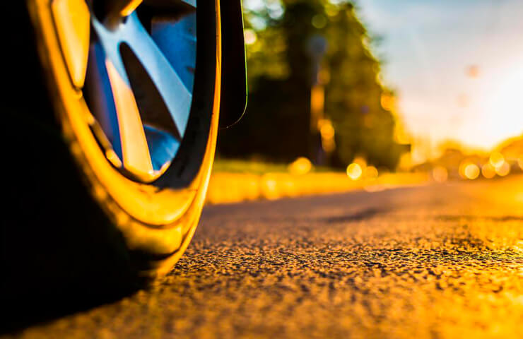 desgast pneumàtics cotxe estiu