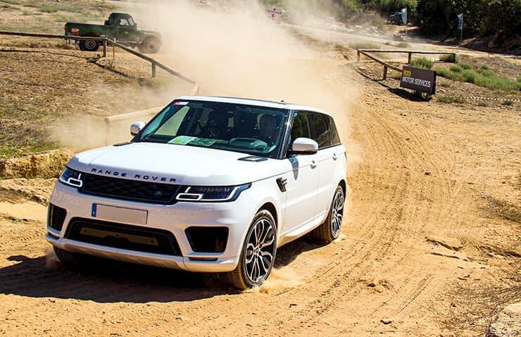 coche 4x4 tierra land rover
